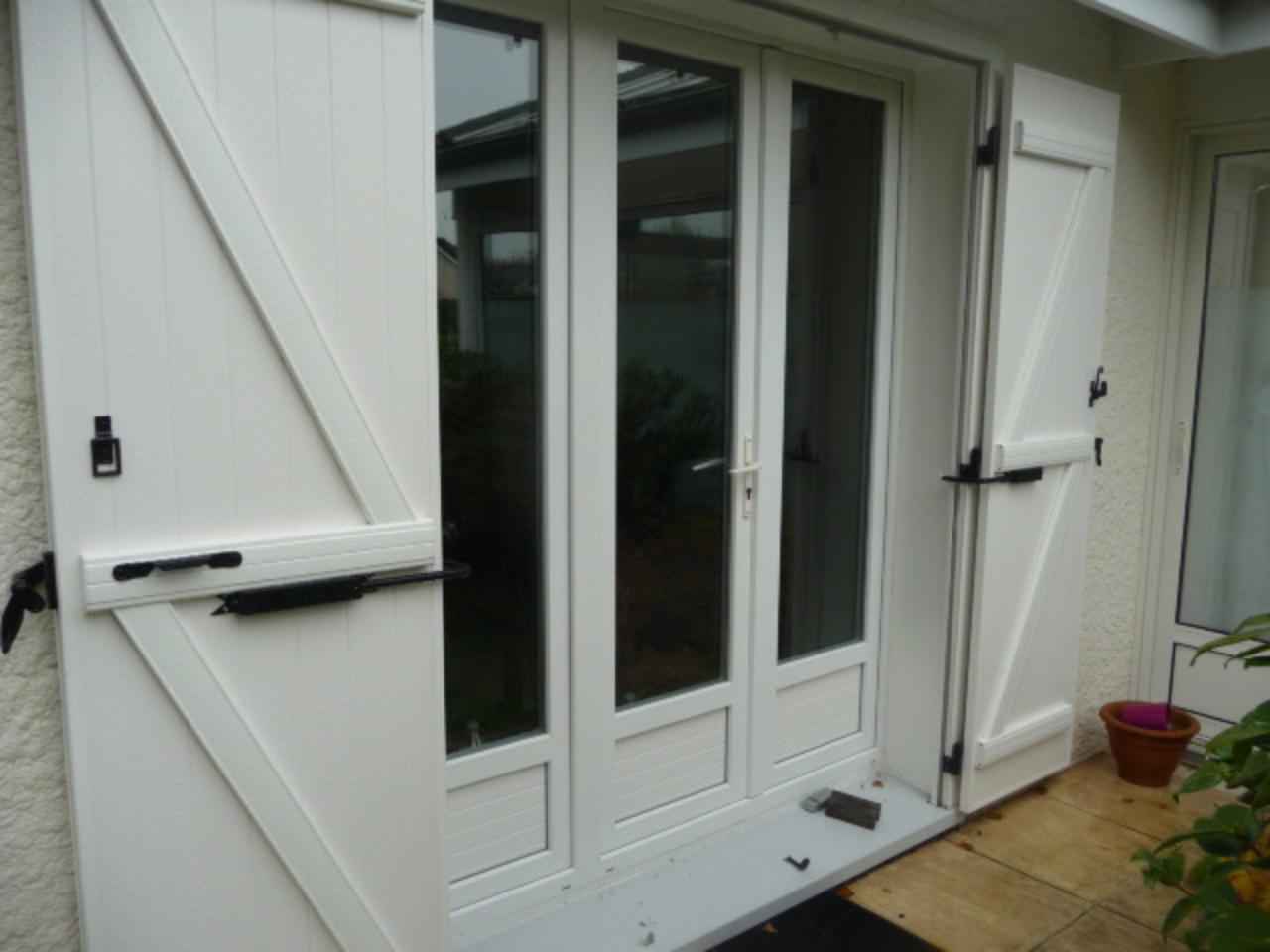 Bloque-volet Long sur Porte fenêtre PVC pose avec Adaptateur