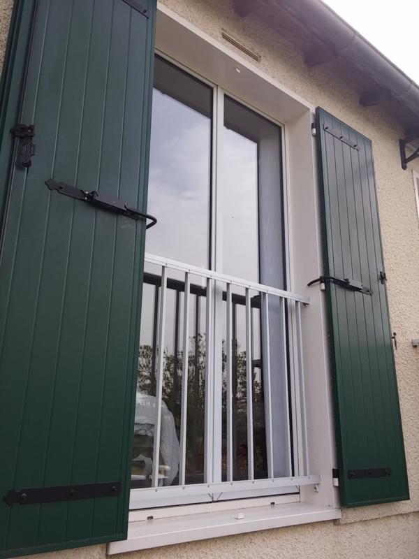 Bloque-volet standard sur Porte Fenêtre Alu